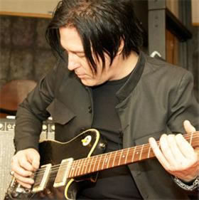 TC Electronic Presents the Sound of Far Out in the Guise of Three New TonePrints by Troy Van Leeuwen of Queens of the Stone Age