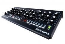 New Analog Synthesizer from Roland! SE-02 Synth was introduces together with Studio Electronics!